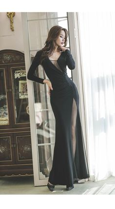 Mom Shares Photo of How the Keto Diet Transformed Her Body After Pregnancy Pretty Dresses, Sexy Dresses, Evening Dresses, Fashion Dresses, Fashion Models, Girl Fashion, Beautiful Asian Women, Mode Outfits, Mode Style