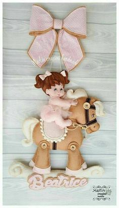 1 million+ Stunning Free Images to Use Anywhere Baby Shawer, Felt Baby, Baby Shower Souvenirs, Baby Shower Gifts, Felt Crafts Dolls, Fun Crafts, Diy And Crafts, Felt Banner, Felt Wreath