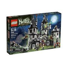 LEGO Monster Fighters The Vampyre Castle 9468 Halloween Sealed New Bride Zombie Chateau Lego, Monster E, Classic Lego Sets, Vampire Castle, Best Lego Sets, Castle Series, Lord, Buy Lego, Shop Lego