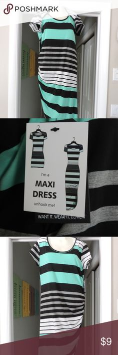 YOUNIQUE striped maxi dress size large NWT New with tags. Super comfortable! Can b pulled up for shorter or let loose for longer length. Younique Dresses Maxi