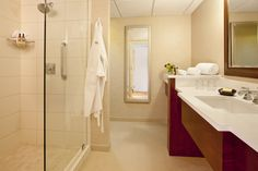 Relax in the luxurious bathrooms at the Minneapolis Marriott Northwest.