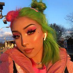 Hair Dye Colors, Cool Hair Color, Green Hair, Pink Hair, Split Dyed Hair, Half Dyed Hair, Half And Half Hair, Hair Streaks, Dye My Hair