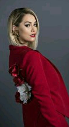 Feli Donose este însărcinată! Brooch, Queen, Jewelry, Fashion, Moda, Jewlery, Bijoux, Fashion Styles, Brooches