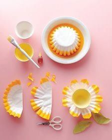 Dip cupcake liner in food coloring or paint to create flowers #crafts #kids