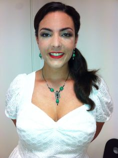 A better view of the gorgeous vintage Jorge Cohen jewelry set I wore in Marcianise