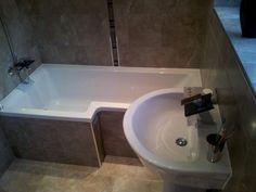 20 Ideas for Small Bathroom Design – Space-saving bathtub – decor store 2018 Tiled Bath Panel, Bath Tiles, Bathroom Bath, Bathroom Toilets, Small Bathroom, Bathroom Ideas, Bathrooms, P Shaped Bath, L Shape