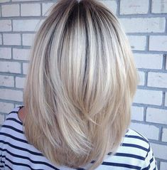Pin on Hairstyles Pin on Hairstyles Medium Hair Styles, Short Hair Styles, Blonde Bob Hairstyles, Medium Layered Hair, Great Hair, Hair Today, Hair Highlights, Fine Hair, Hair Hacks