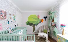 """""""Quarto dose dupla"""": colorido e divertido, o quarto para as gêmeas foge da decoração tradicional de meninas."""