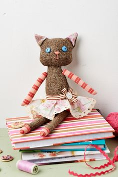 You could make this cute little cat with the latest mag. We love her outfit! (Sew, issue 57)