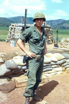 US Army Imfantry, Southeast Asia Vietnam History, Vietnam War Photos, North Vietnam, Vietnam Veterans, American Veterans, American War, Good Morning Vietnam, Semper Fi, Military Veterans