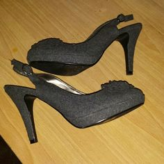 """Gray Fioni size 7 Good condition, Fioni size 7 heels. 4"""" heel and a small 3/4"""" platform. Make me an offer. Fioni Shoes"""