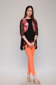 "Rang Ja Festive Glam Eid Collection 2018 has been launched with new colorful dress designs. This is a good news for young Pakistani fashion lovers that the colorful brand Rang Ja presents ""Festive Glam"" range Desi Wear, Eid Collection, Chiffon Dresses, Punjabi Suits, Dress Designs, Woman Clothing, Pakistani Dresses, Fashion 2018, Kurtis"