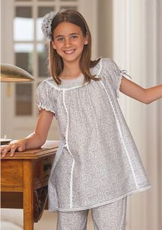 Girls Night Dress, Night Dress For Women, Little Girl Dresses, Baby Frocks Designs, Kids Frocks Design, Cute Sleepwear, Sleepwear Women, Kids Dress Wear, Designs For Dresses