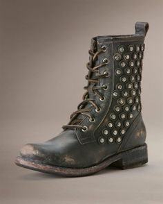 Love Frye boots. Would be nice to add these to the collection :) like 'em a lot