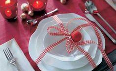 Schaffen Sie eine bezaubernde Tischdeko zu Weihnachten  - http://wohnideenn.de/weihnachtsdekoration/11/tischdeko-zu-weihnachten-bezaubernd.html #Weihnachtsdekoration