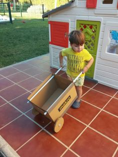 DIY 5-minute toy cardboard wheelbarrow