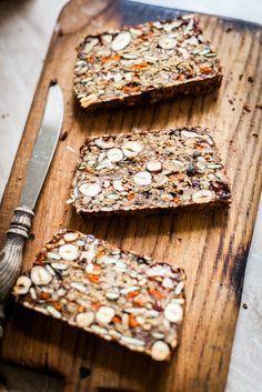 Niezwykły chleb bez grama mąki Unusual bread with gram flour Seed Bread, Healthy Snacks, Healthy Recipes, Good Food, Yummy Food, Gula, Naan, Fresh Fruit, Dried Fruit