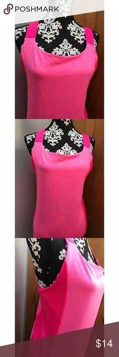 Plus Size XXL Champion top Size XXL. 90% polyester 10% spandex. Attached sports bra. Champion Tops