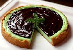 40  torte estive alla frutta e senza cottura  decisamente fresche e gustose. Vi presentiamo la ricetta nuova del cheesecake al cioccolato e menta!