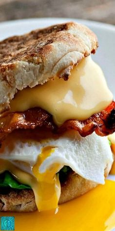 Here's the recipe for the best breakfast sandwich EVER. Crispy bacon, melty cheese, creamy egg all on a buttered English muffin…spinach optional! The Best Breakfast Sandwich – The Best Breakfast Sandwich Best Breakfast Sandwich, Breakfast Desayunos, Breakfast Dishes, Breakfast Ideas, English Muffin Breakfast, Best Breakfast Meals, Bacon And Egg Sandwich, Bacon Egg And Cheese, Bagel Sandwich