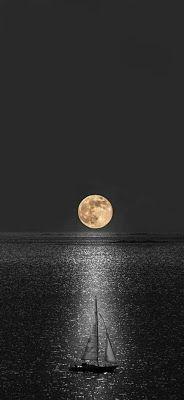 اجمل صور وخلفيات القمر للهواتف الذكية الايفون والأندرويد Moon Wallpaper For Mobile 2020 Mobile Wallpaper Wallpaper Celestial