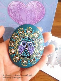 Dotpainted seelensteine by artandbeing on etsy Dot Art Painting, Pebble Painting, Pebble Art, Stone Painting, Mandala Rocks, Mandala Art, Mandala Painting, Caillou Roche, Art Pierre