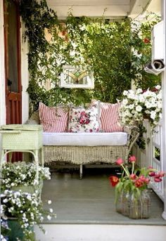 My porch is narrow just like this and I can totally do this, but my husband would say .... weeds!!!