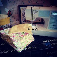 Fini le gaspillage et bonjour l'essuie tout lavable ou lingettes { Tuto } le faire soi-même est un ++++ non négligeable Techniques Couture, Zero Waste, Better Life, Sewing Projects, Diys, Travel Inspiration, Blog, Clothes, Scrappy Quilts