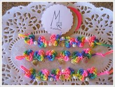 M de glaMour: Los diseños de M #pulseras #fluor #crochet #handmade #mix #colores #perlas
