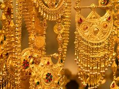 Jewels of Dubai, United Arab Emirates Mens Gold Jewelry, Clean Gold Jewelry, Gold Jewellery, Gold Souk Dubai, Cheap Jewelry, Fine Jewelry, How To Clean Gold, Gold Money, Discount Jewelry