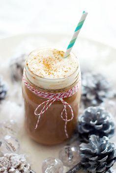 Hot Cocoa + Bakers Twine + Stripey Straws = a Festive, Darling & Yummy Drink  Modern Palm  www.modernpalm.com