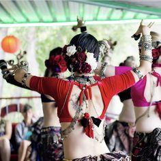 Tribal Fusion, Tribal Costume, Dance Like No One Is Watching, Tribal Belly Dance, Belly Dance Costumes, Dance Fashion, Belly Dancers, Dance Wear, Shake