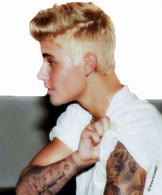 Photo of justin bieber 2015 for fans of Justin Bieber. justin bieber 2015 I love his hair :)