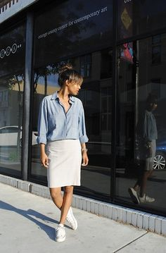 Stumped on how to wear a white denim skirt without looking dated? We've rounded up some of our favorite white denim skirt outfits along with some cool places to buy them. Denim Skirt Outfits, White Denim Skirt, Denim Pencil Skirt, Denim Mini Skirt, Denim Outfit, White Skirts, Casual Outfits, Denim Skirts, Summer Outfits