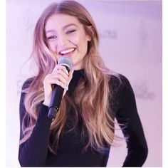 Designer Clothes, Shoes & Bags for Women Kendall Jenner Gigi Hadid, Gigi Hadid Outfits, Kendall Jenner Outfits, Gigi Hadid Looks, Gigi Hadid Style, Gigi Hadid Pictures, Blonde Color, Bella Hadid, Woman Crush