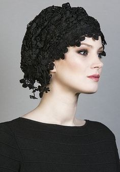 R1671 - Black lace turban with jet crystals
