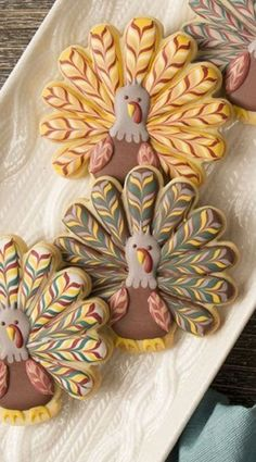 Delicious Thanksgiving Cookie Recipes Your Family Will Love – Halloween Ideas – Grandcrafter – DIY Christmas Ideas ♥ Homes Decoration Ideas Turkey Cookies, Fall Cookies, Iced Cookies, Cookies Et Biscuits, Holiday Cookies, Cupcake Cookies, Sugar Cookies, Fall Decorated Cookies, Yummy Cookies