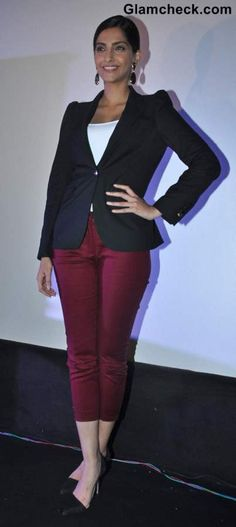 Style Inspiration: Wearing Blazer with Cropped Pants Like Sonam Kapoor