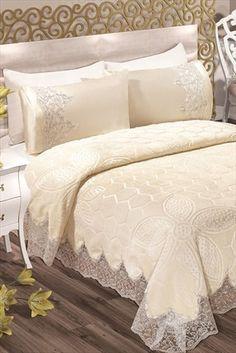 Evlen Home & Alanur Home Collection - Çift Kişilik Gloria Battaniye Takımı Krem TİV0006 %33 indirimle 399,99TL ile Trendyol da