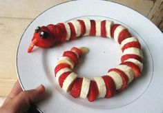Awesome ways to turn paleo/ primal food into something special for parties! Strawberry & banana snake