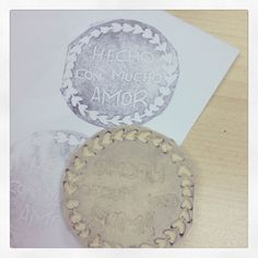 Sello hecho con mucho amor. Handmade stamp made with love.