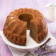 Zucchinigugelhupf mit Haselnüssen Zucchini, Pie, Desserts, Food, Brown Bread, Oven, Dessert Ideas, Cooking Recipes, Simple Cakes