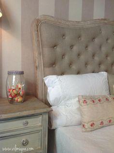 Cabecero de cama capitoné con marco ondulado de madera - vilmupa Muebles Shabby Chic, Bed Pillows, Pillow Cases, New Homes, Stripes, Headboards, Bedroom, Furniture, Decoration