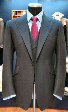 Does the Huntsman single button jacket look wrong?