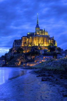 Mont Saint-Michel, France -- stayed overnight there -- it's not expensive -- was a wonderful experience! Best Vacation Destinations, Best Vacations, Vacation Spots, Oh The Places You'll Go, Places To Travel, Places To Visit, Beautiful Castles, Beautiful Places, Le Mont St Michel