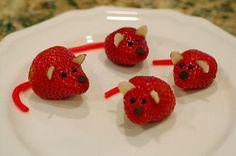 cute food and drink ideas Cute Food, Good Food, Strawberry Mouse, Preschool Snacks, Kid Snacks, Fruit Art, Food Humor, Toy Store, Creative Food