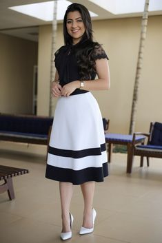Saia Midi Agatha Aquila Tauhney Store Moda Evangelica is part of Skirt fashion - Classy Summer Outfits, Best Casual Outfits, Modest Outfits, Skirt Outfits, Modest Fashion, Dress Skirt, Casual Dresses, Fashion Dresses, Swag Dress