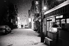 senshirou: Romantic nights (by DMac Mark II) -- downtown Jeju-do, South Korea Jeju City, Jeju Island, Romantic Night, Photo Black, City Photography, Winter Travel, South Korea, Places To Travel, Travel Photos