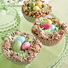 Greet your Easter guests with pint-sized crisp rice cereal treats. Place them at each spot around the lunch table or wrap them up as a...