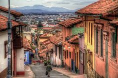 Things to Do in Bogota - Colombia produces about half of the world's emeralds which are used to make valuable jewelry. Raw emeralds are found in the Andes, particularly in the northern part of Bogota, the capital city.